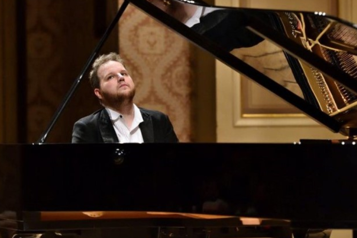 Friday Favorites: Selections from Scheherazade and Pianist Lukáš Vondráček